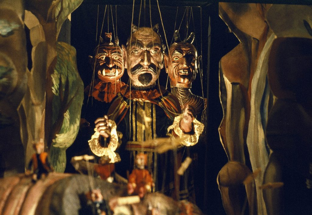 From Jan Švankmajer's Faust (1994)